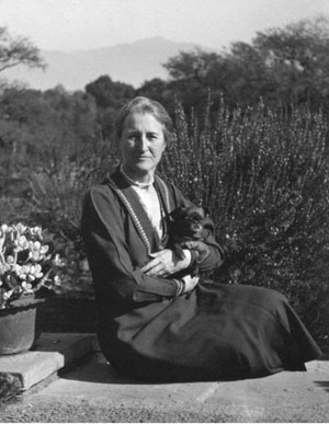Beatrix Farrand and Cubby, 1927 <em>Beatrix Farrand Society Archives</em>